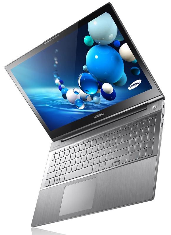 Samsung Series 7 Chronos 2013 Notebook angle