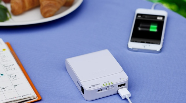 Buffalo Voltissimo Portable Battery charges iPhone in 15 Minutes in use