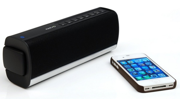Kinivo BTX350 Portable Bluetooth Speaker with iphone