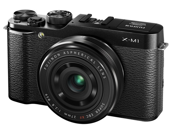 FujiFilm X-M1 Lightweight Mirrorless Camera angle