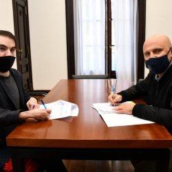 Martín Di Luzio y Gabriel Savino en oficinas de la Defensoría.