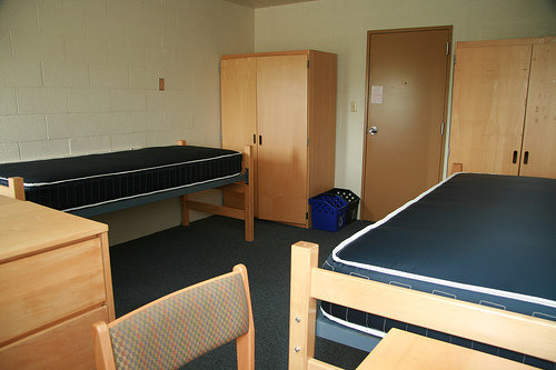 219 Lyon Hall Empty  Room Makeover 101  Fuse  Ithaca