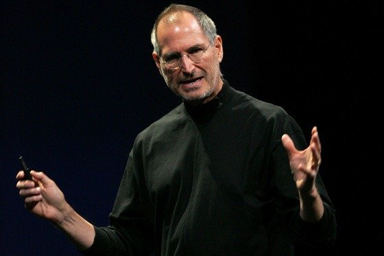 steve jobs thumb Jobs Gets in a little fight with a College Student over Email