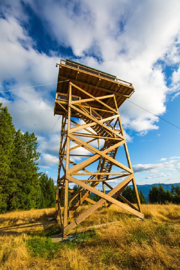 Fire Lookout Tiny House Youve Never Seen a Tiny House or a View Like This  Tiny Houses