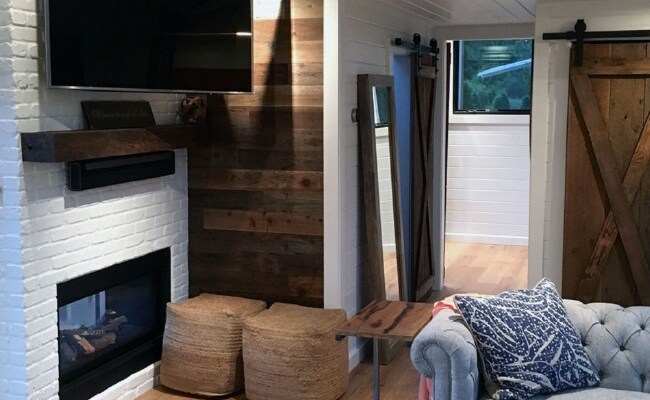 Tiny House In Hawaii By Tiny Heirloom Has A Surprisingly