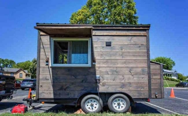 Super Tiny 123 Square Foot House Being Auctioned Off Now