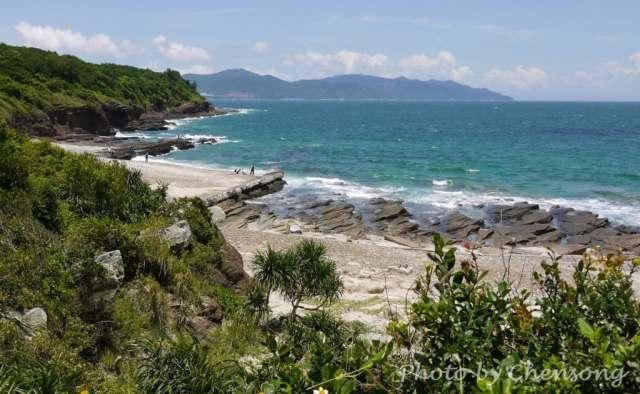 Rock Strata, Dragon Diving into the Sea at Tung Ping Chau