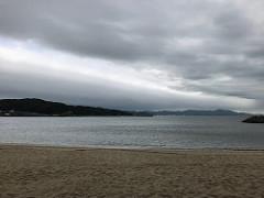 洲本市のビーチにて