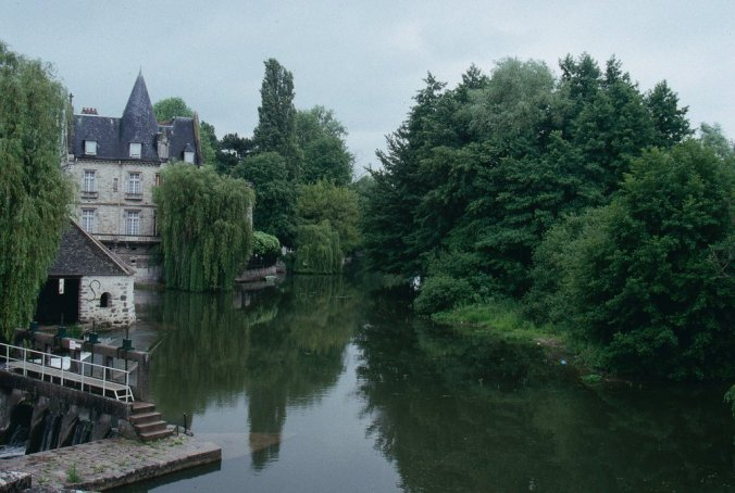 Tranquil river views - French landscapes