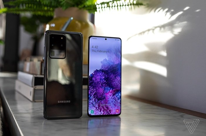 Galaxy S20 Ultra спереди и сзади