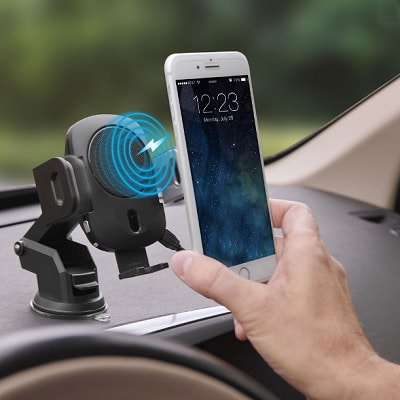 The-Robotic-Grip-Wireless-Charging-Car-Mount