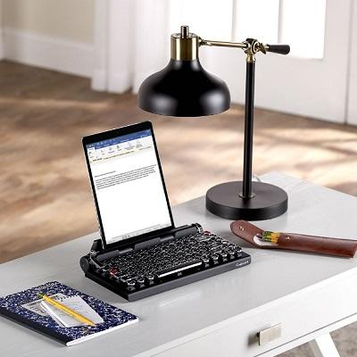 Classic-Typewriter-Keyboard-1