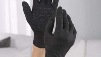 Vibration-Therapy-Gloves