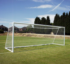 Aluminium folding goalposts