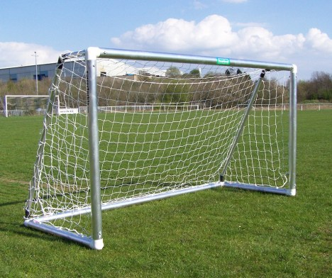 best-aluminium football-goals-for-the-garden