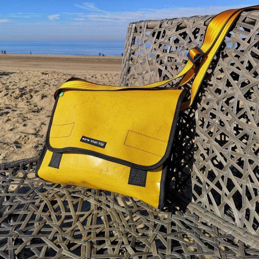Schoudertas geel vrachtwagenzeil recycled eco fairtrade 112131435605