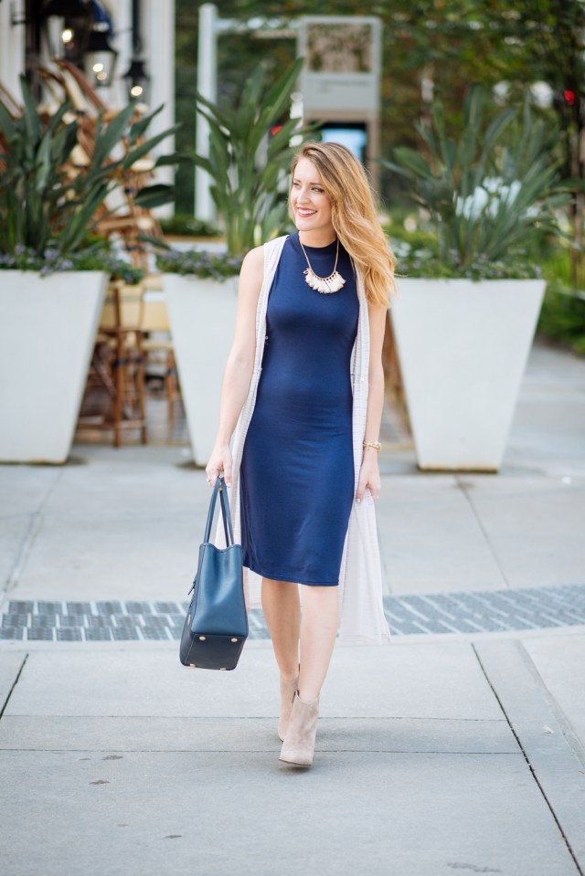 Fall transitional look: bodycon dress + duster + booties