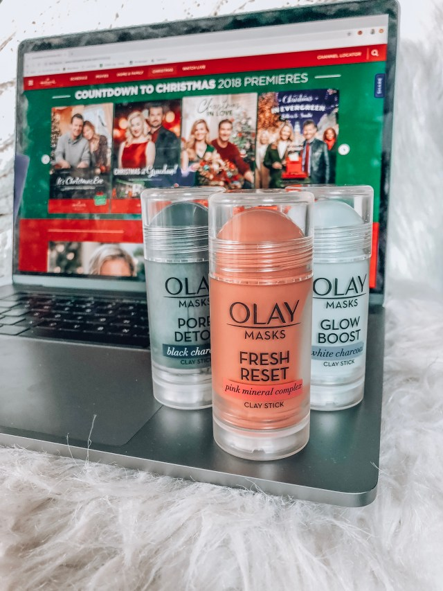 Holiday Girls Night In Ideas with Olay Face Masks