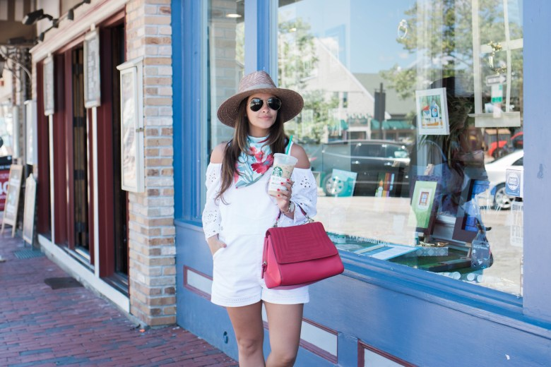 An Easy 4th Of July Outfit by NYC fashion blogger Dana of Pink Champagne Problems