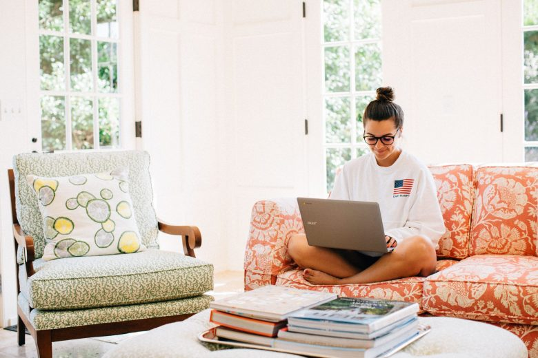 Why You Should Do A Weekly Digital Detox by popular New York lifestyle blogger The Champagne Edit