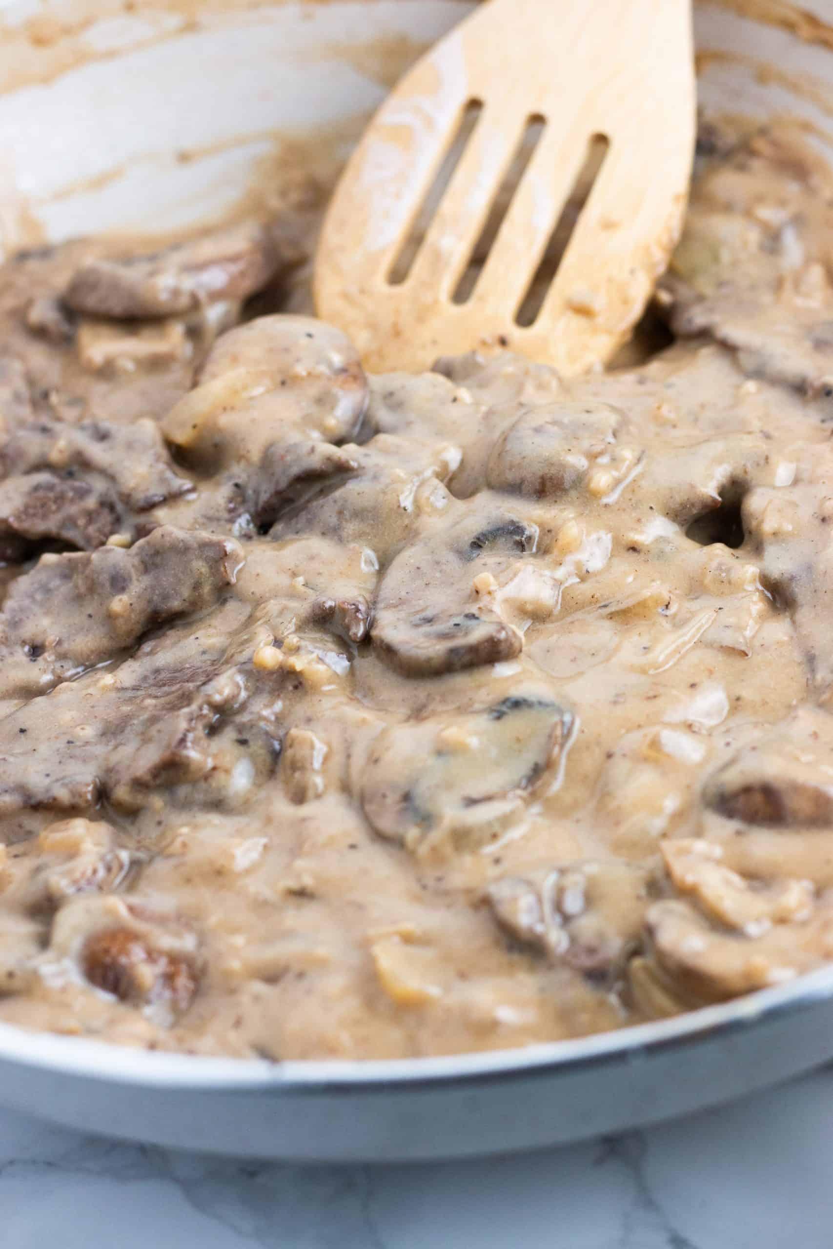 Creamy mushroom sauce for low calorie beef stroganoff recipe