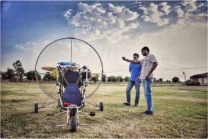 Motorised paragliding