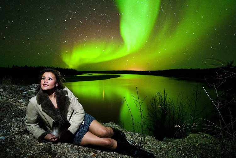 A Guide to Northern Lights Portraiture and Model