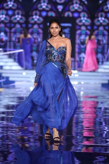 Monisha-Jaising-Lakme-Fashion-Week-Collection-7