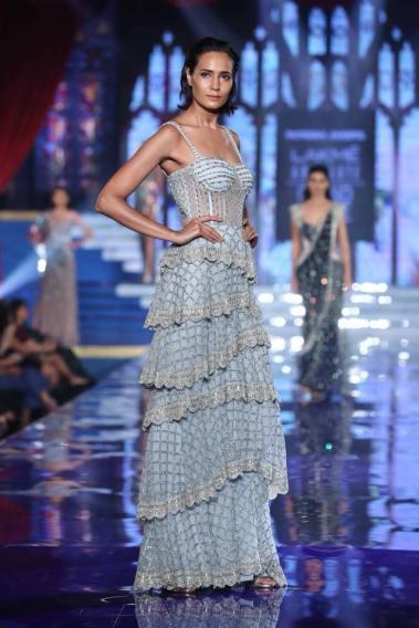 Monisha-Jaising-Lakme-Fashion-Week-Collection-8