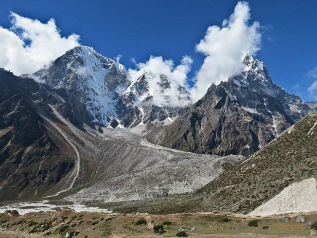 trekking in nepal - everest