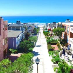 Manhattan Beach - Best Places To Travel in February