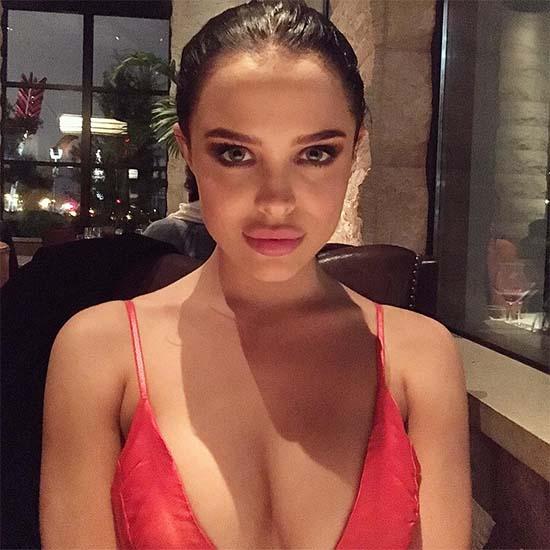 Mara Teigen – Angelina Jolie Look-Alike