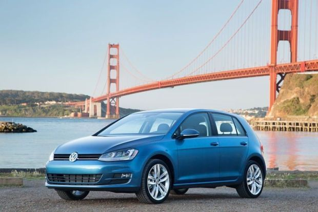 2015-Volkswagen-Golf-ces-itusers