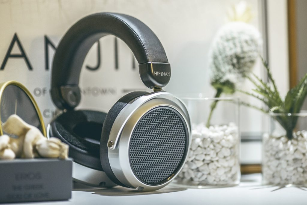 HIFIMAN launches HE400se Open-Back Planar Headphone with Invisible Stealth Magnets