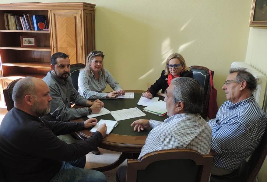 Jorge Vega, Diputado de IU-Ganemos se reúne con la Sección Sindical de UGT.