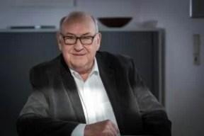 Dr. Peter Mandel