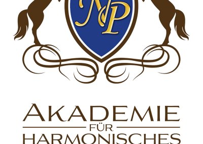 """Logo für """"Akademie für harmonisches Reiten"""", von und mit Nadine Plaumann"""