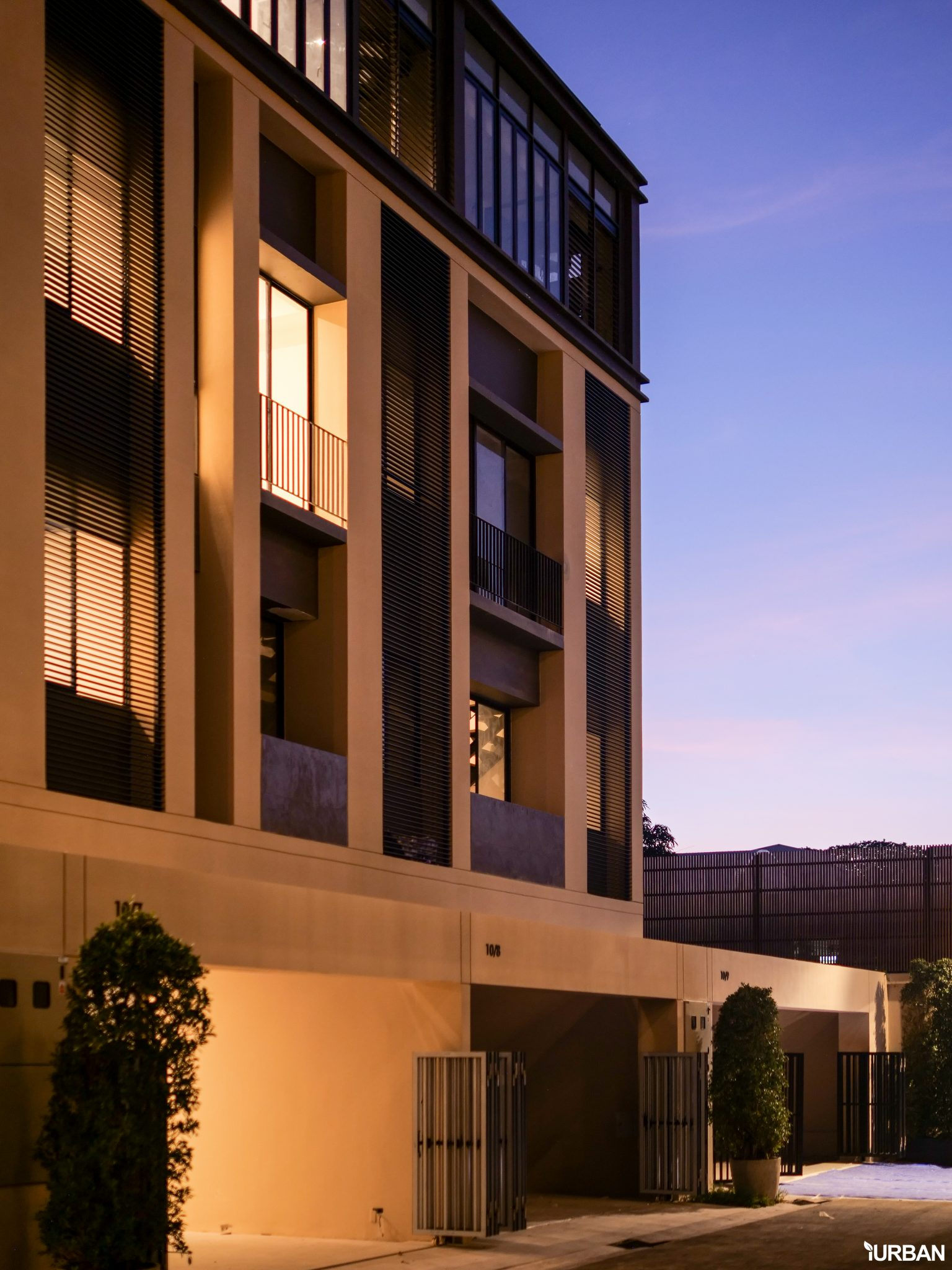 AIRES RAMA9 รีวิว Luxury Townhome 3.5 ชั้น + Rooftop ออกแบบสวย ย่านพระราม9 (ใกล้ รพ.สมิติเวช) 21 - AIRES