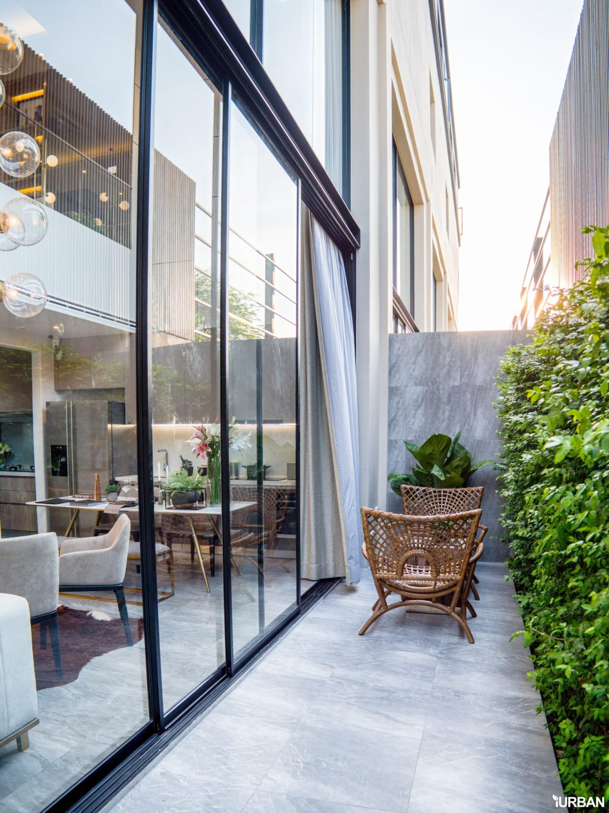 AIRES RAMA9 รีวิว Luxury Townhome 3.5 ชั้น + Rooftop ออกแบบสวย ย่านพระราม9 (ใกล้ รพ.สมิติเวช) 34 - AIRES
