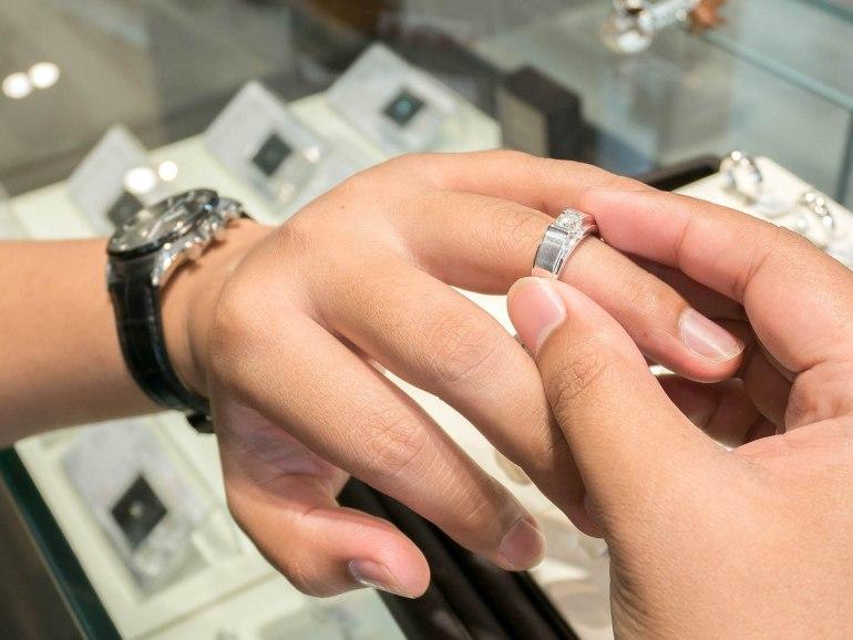 10 วิธีเลือกซื้อแหวนเพชร แหวนแต่งงาน ที่ต้องทำการบ้านก่อนไปร้านเพชร 39 - Ananta Fine Jewelry (อนันทา จิวเวลรี่)