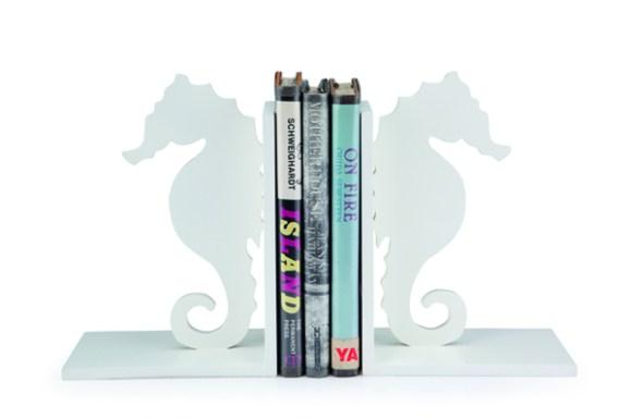 8 ที่คั่นหนังสือรูปม้าน้ำ Sheldon ราคา 750 บาท1 580x385 แต่งบ้านด้วยแรงบันดาลใจจากธรรมชาติ by Index Living Mall