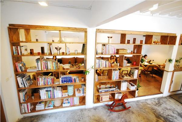 ไล-บรา-รี่..ร้านกาแฟของคนรักหนังสือ 17 - Library