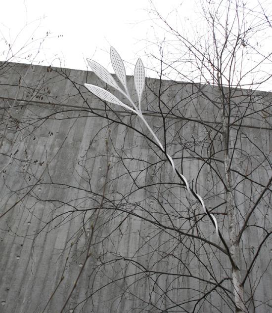 invisible streetlight ไฟส่องทางที่กลมกลืนไปกับต้นไม้ 15 -