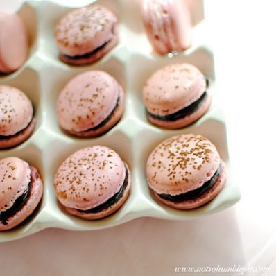 raspberry_rose_macarons