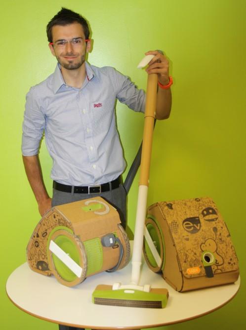 vacuum cleaner เครื่องดูดฝุ่นจากกระดาษลูกฟูก 19 - cardboard