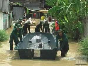 051 300x225 Thai soldier,HERO อุทกภัย 54