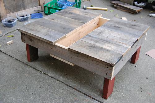 5361956627 abdc00075b D.I.Y.โต๊ะปลูกต้นไม้..จากลังไม้เก่า