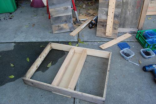 5362556698 0994df1993 D.I.Y.โต๊ะปลูกต้นไม้..จากลังไม้เก่า