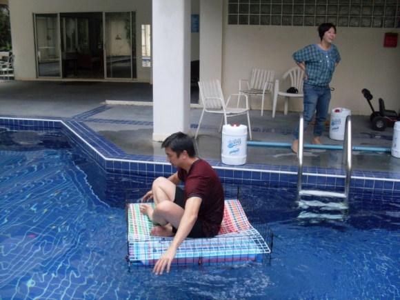 Floating pouches สร้างเรือจากกระเป๋าลอยน้ำแบบไทยๆ 22 - floating