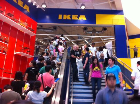 IKEA เปิดแล้ว..คนแห่ไปกันแน่นห้าง 14 - IKEA (อิเกีย)